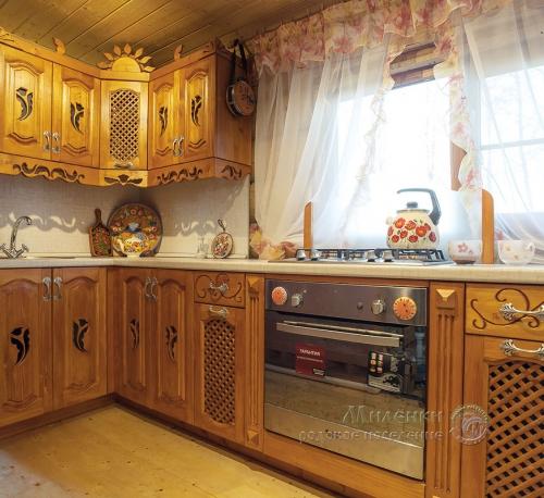 Кухня из массива сосны