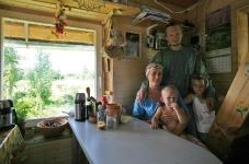 Виталий, Маша, Радомир и соседка Женя