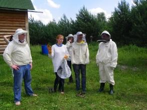 Рассказ о пчеловодстве на пасеке