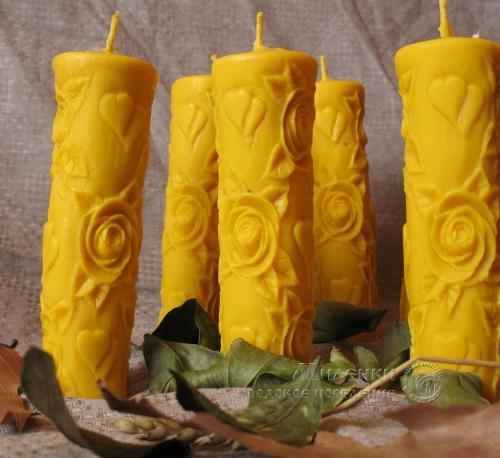 Свеча восковая -Розы-