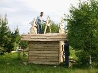 Стройка домика на детской площадке